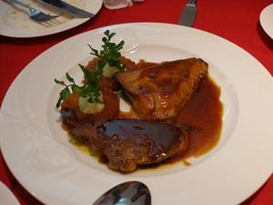 Foie-gras de canard sauté sauce poivrade