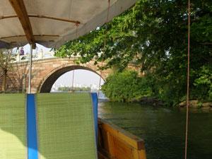 西湖の手漕ぎ船