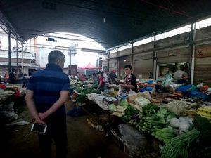 易武郷の市場